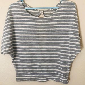 Small Gray and white striped keyhole top